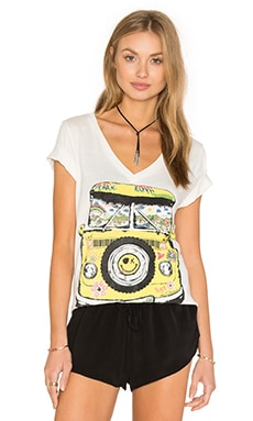 Lauren Moshi Juju V-Neck Tee in Faded White