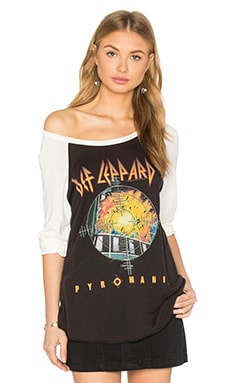 Def Leppard Maglan Tee in Onyx & Faded White
