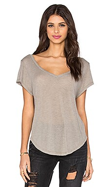 Monaco V Neck Tee in Bark