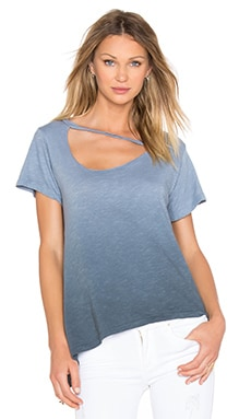 Slant Hem Mara Tee in Ombre Faded Black