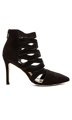 Coralie Heel in Black