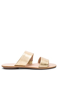 Clem Sandal in Gold