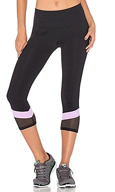 Lorna Jane Desire 7/8 Core Legging in Black & Soft Lilac