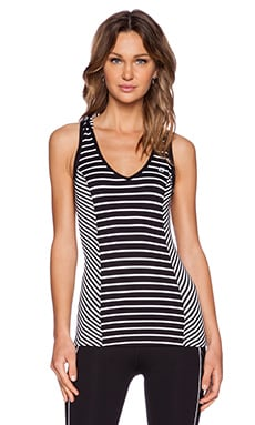 Lorna Jane Pumped Hooded Excel Tank in Black & White