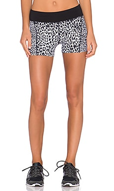 Lorna Jane Leo Core Stability Short in Black & White