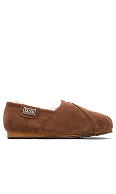 Australia Luxe Collective Loaf Flat in Chestnut