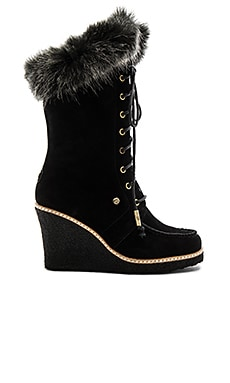 Mandinka Boot with Faux Fur Cuff в цвете Черный