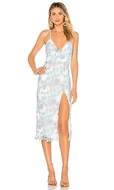 Купить Кружевное миди-платье saba - Lovers + Friends, Кружево, Китай, Нежно-голубой