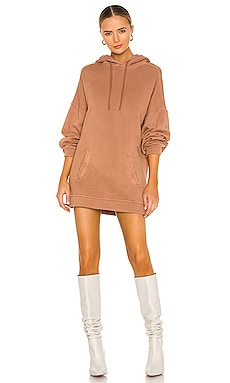 ROBE PULL OVERSIZED Lovers + Friends $148