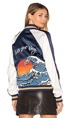 x REVOLVE The Exclusive Bomber em Wavy