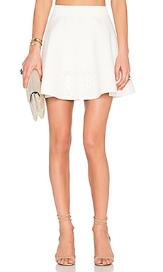 x REVOLVE Be Mine Skirt en Blanc