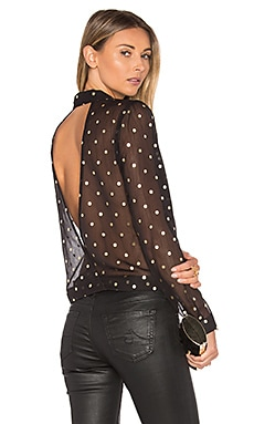 Whisper Top Lovers + Friends $118 MÁS VENDIDO