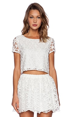 Open Backed Lace Cropped Top en Blanc