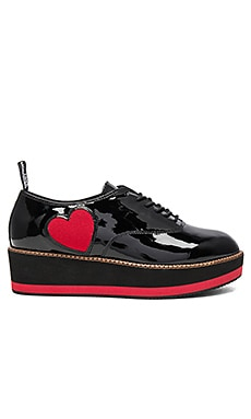 Wedge Heart Creeper in Black