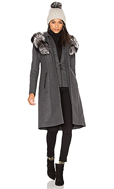 Mila Fox Fur Coat en Charcoal