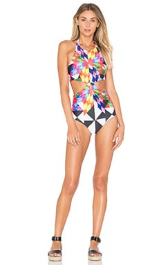 Knot Front One Piece Swimsuit en Fractals Red