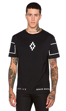 Marcelo Burlon Onas Tee in Black