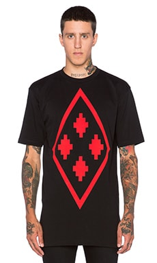 Marcelo Burlon Fitzroy Tee in Black Red