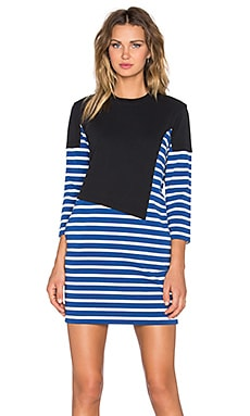 Jacquelyn Asymmetric Stripe Dress en True Blue Multi