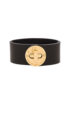 Marc by Marc Jacobs Small Disc Turnlock Bracelet in Black