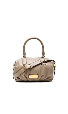 Marc by Marc Jacobs New Q Small Legend in Cement