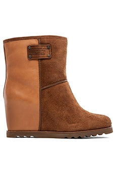 Marc by Marc Jacobs Winter Warming 50 mm Wedge Booties in Cognac