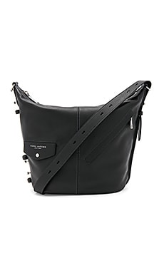 The Sling Shoulder Bag in Schwarz