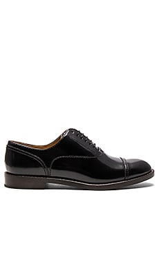 Clinton Oxford en Negro