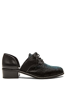 Matisse Quake Cow Hair Oxford in Black