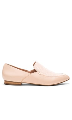 Alex Flat in Light Pink