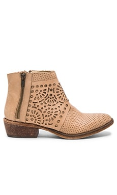 Raliegh Booties in Natural