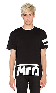 McQ Alexander McQueen Dropped Shoulder Tee in Darkest Black