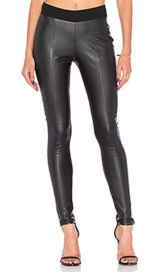 Contour Legging in Darkest Black