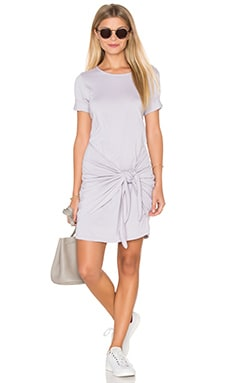 Faux Wrap Tee Dress en Oyster