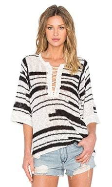 Elbow Sleeve Lace-Up Baja Pullover in Black & Ivory