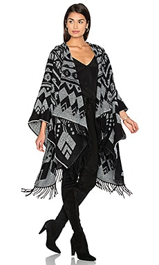 Without Borders Cape in Black