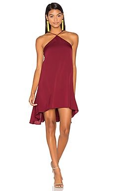 Silk Cascade Halter Dress en Bordeaux