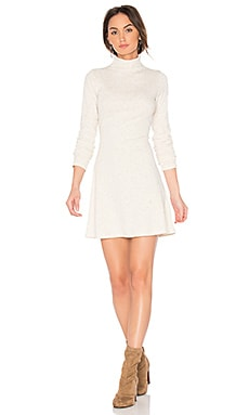 Rib Funnel Neck Dress en Natural Marle