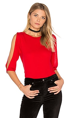 Cold Shoulder Rib Top en Rouge