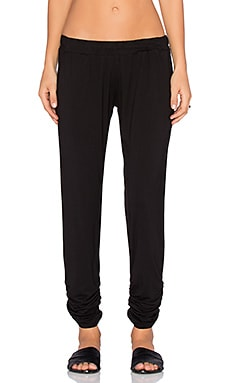 Michael Lauren Hardy Double Shirred Pocket Pant in Black