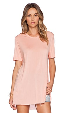 Michael Lauren Seven Side Slit Tee in Peach Sky