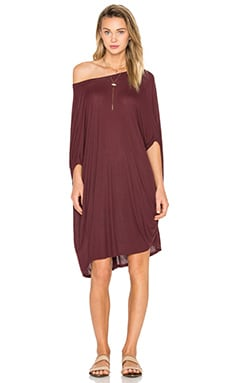 Sky Draped Tunic en Sangria