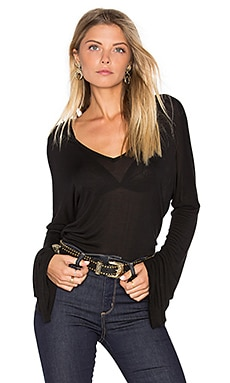 Booker Bell Sleeve V Neck Top en Noir