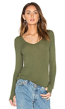 Otis V Neck Tee in Military
