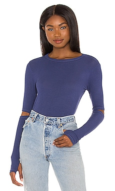 Solomon Elbow Slit Tee in Seaport