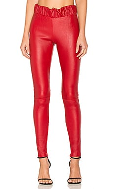 Leather Seamed Legging en Rouge