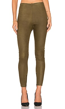 High Waisted Suede Legging en Olivia