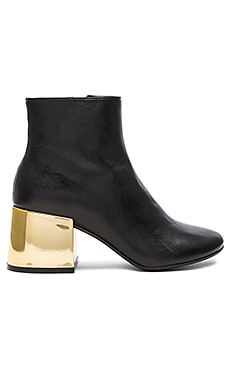 Heeled Bootie in Black