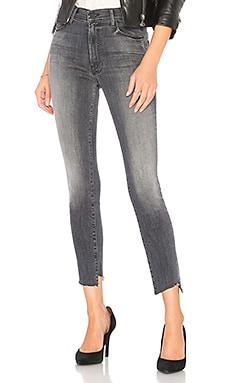 Купить Узкие джинсы the zip stunner two step fray - MOTHER цвет none