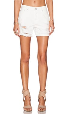 SHORT EN JEAN LOOSEY FRAY SHORT